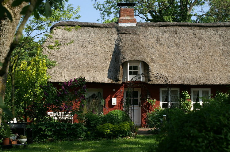 Final thoughts on should you buy a house with a thatched roof